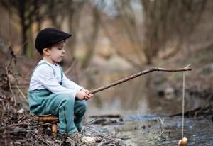 Мальчики на рыбалке
